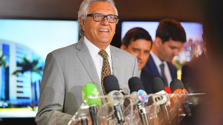 Governador anuncia série de medidas para reparar injustiças cometidas pelas gestões anteriores contra os servidores públicos.