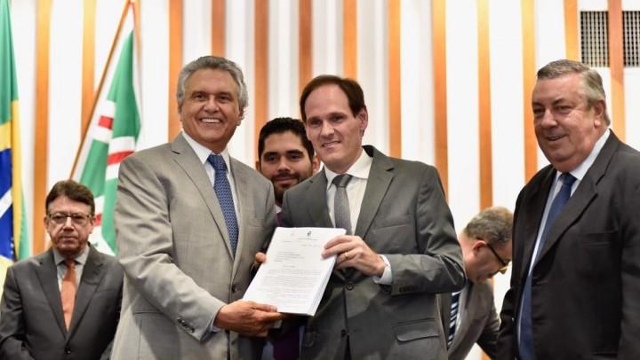 """Governador pretende trabalhar de forma transparente com os deputados estaduais para """"superar todas as adversidades"""""""
